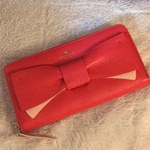 Nwot ♠️Kate Spade Olive Drive leather bow wallet♠️